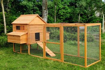 Holz für den Kaninchenstall